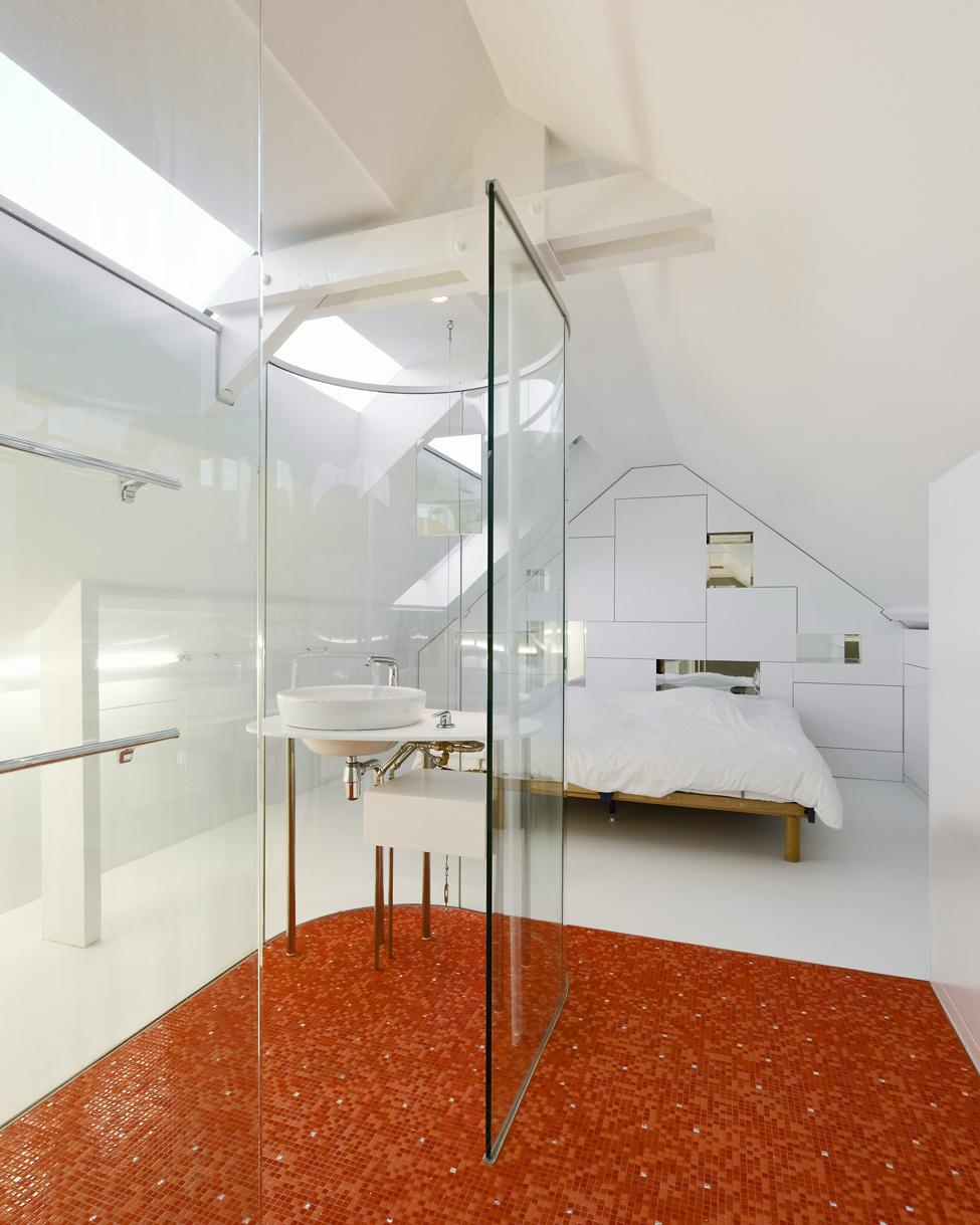 Баня в спалнята - идея за интериор