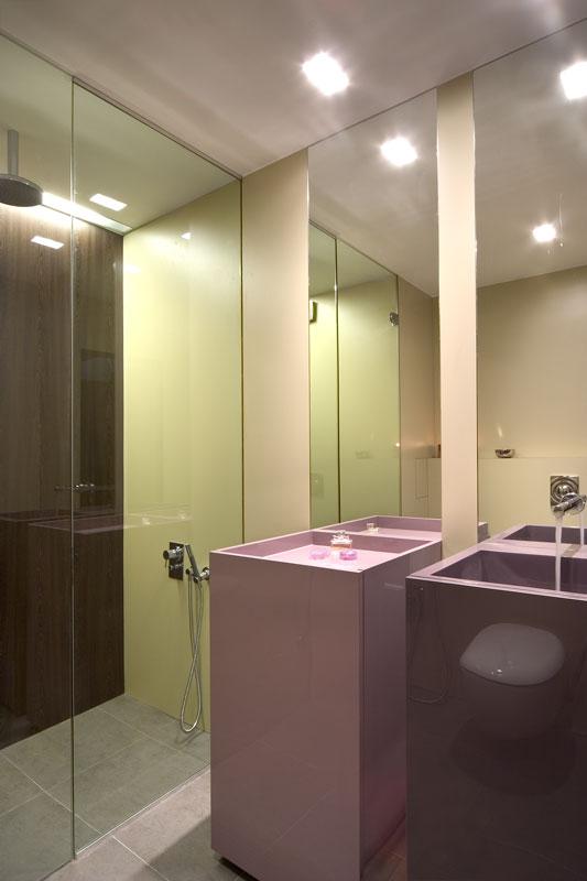 Интериор на баня с текстолит