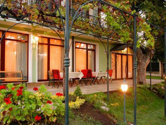 Балнеохотел Зелената къща, Бургас