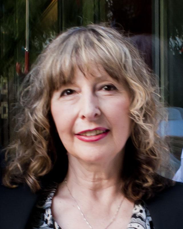 """Мариана Китанова, арт-директор на сп. """"Наш дом"""" и член на творческото жури на конкурса Ideal Standard Баня на годината 2012"""